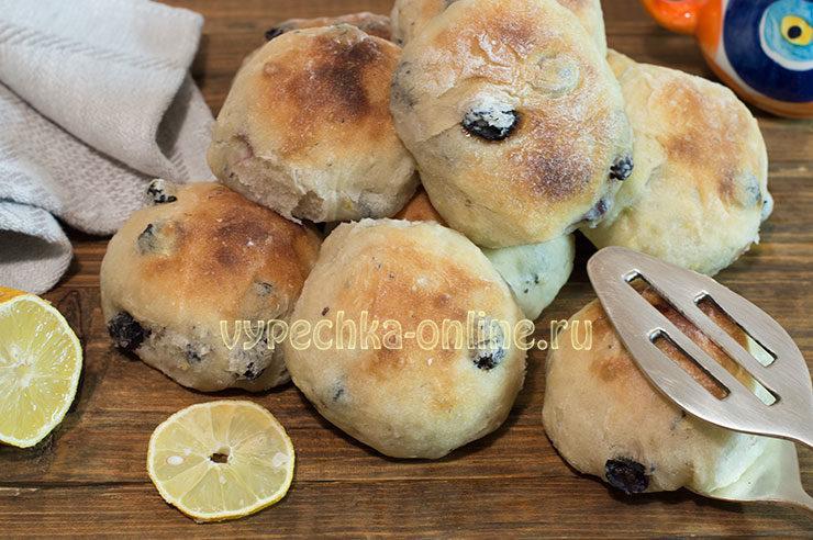 Постные булочки на дрожжах с изюмом: как приготовить – рецепт с фото пошагово