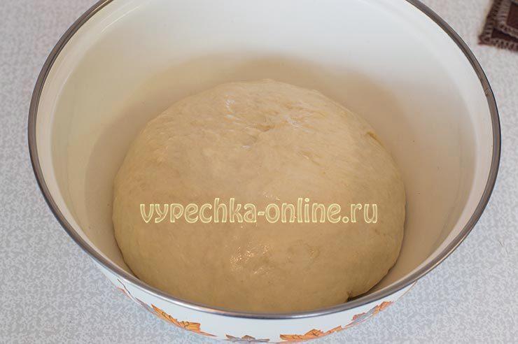 Пирог с вареньем на дрожжевом тесте