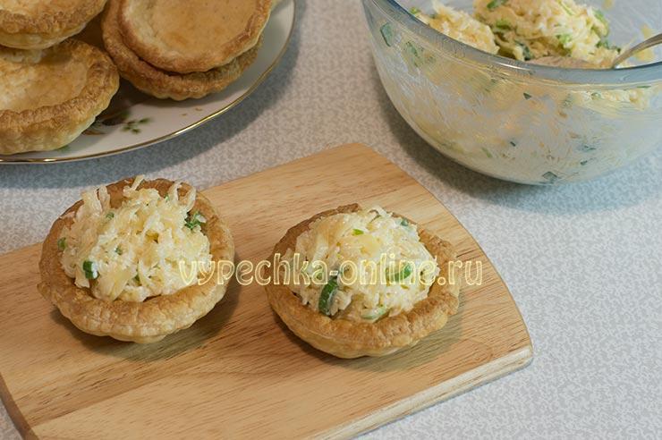 Тарталетки с сырной начинкой