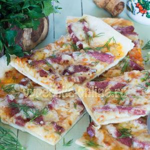 Пицца рецепт в домашних условиях с колбасой и сыром на дрожжевом тесте