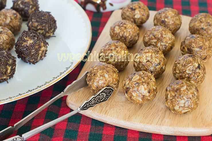 Конфеты из овсяных хлопьев с вареной сгущенкой – десерт без выпечки, рецепт с фото