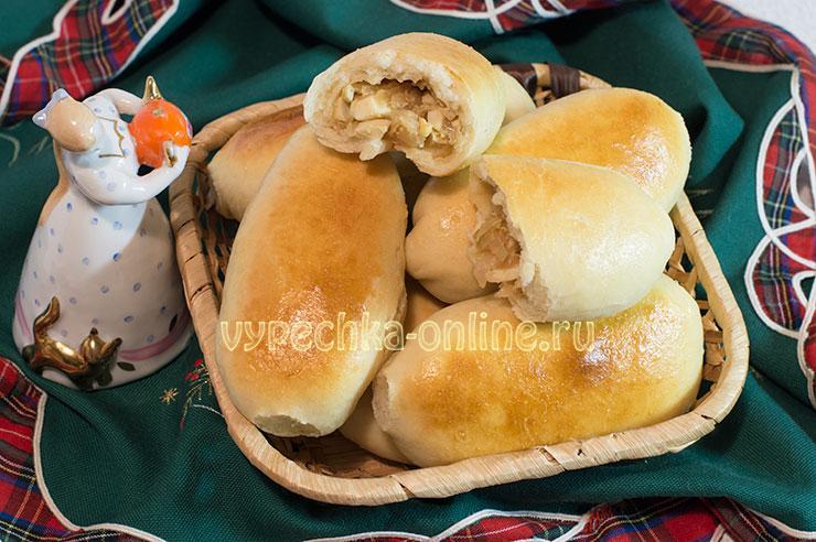 Пирожки с капустой и яйцом из дрожжевого теста