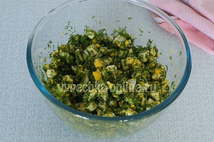Яйца, зеленый лук