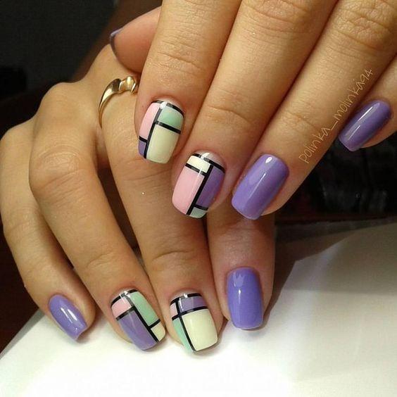 Геометрические рисунки на ногтях