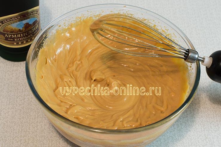 Крем с варёной сгущёнкой и сливочным маслом для торта