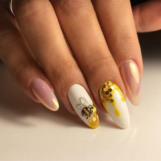 Дизайн ногтей пчела, мед