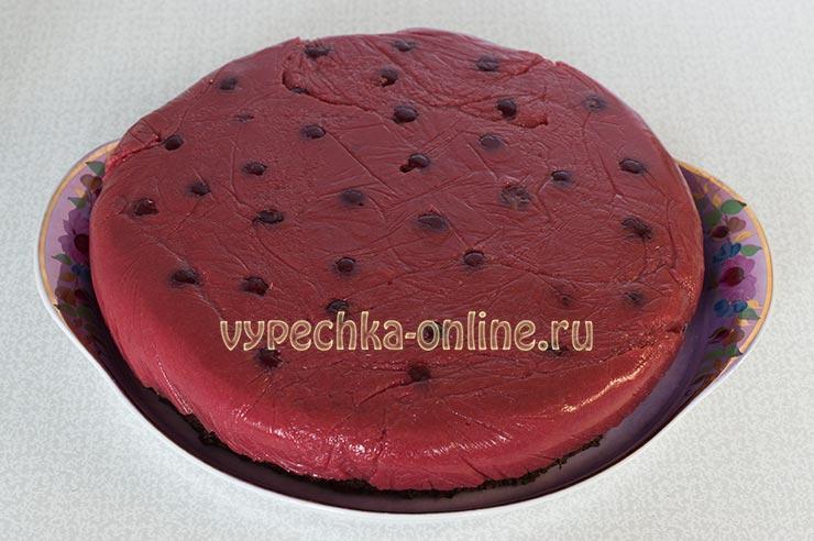 Постный шоколадный торт с вишней