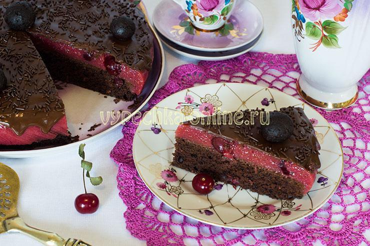 Торт с суфле и бисквитом шоколадным