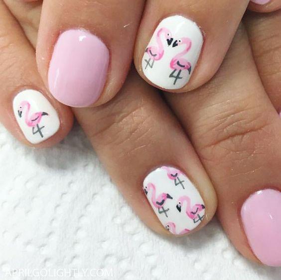 Фламинго на ногтях