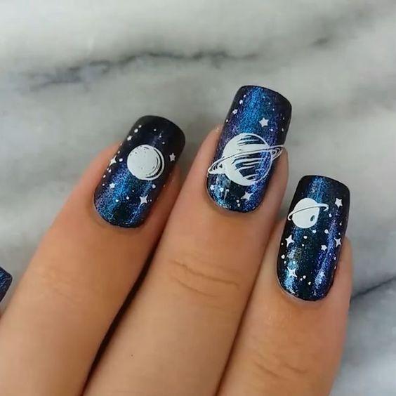 Маникюр галактика