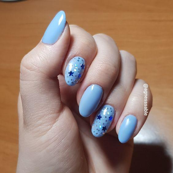 Наклейки на ногтях