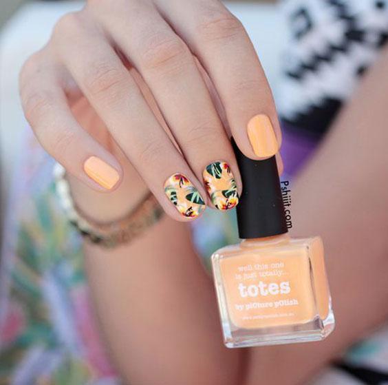 ногти с листьями разноцветными