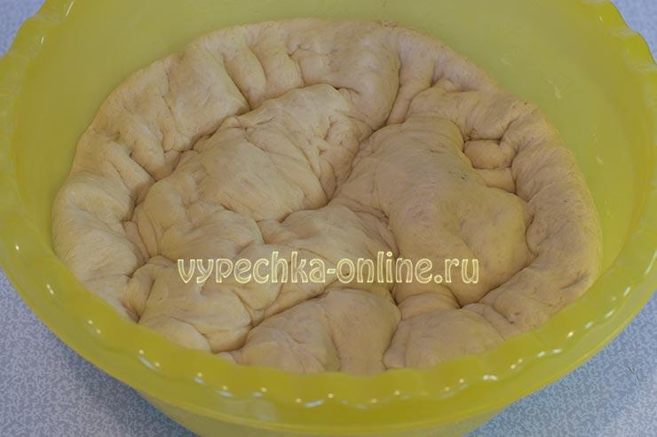 Дрожжевое тесто с кукурузной мукой