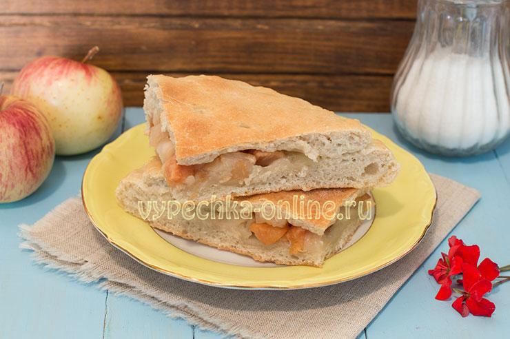 Пирог с яблоками на дрожжевом тесте в духовке