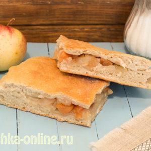 Постный пирог с яблоками в духовке на дрожжевом тесте - рецепт с фото пошагово