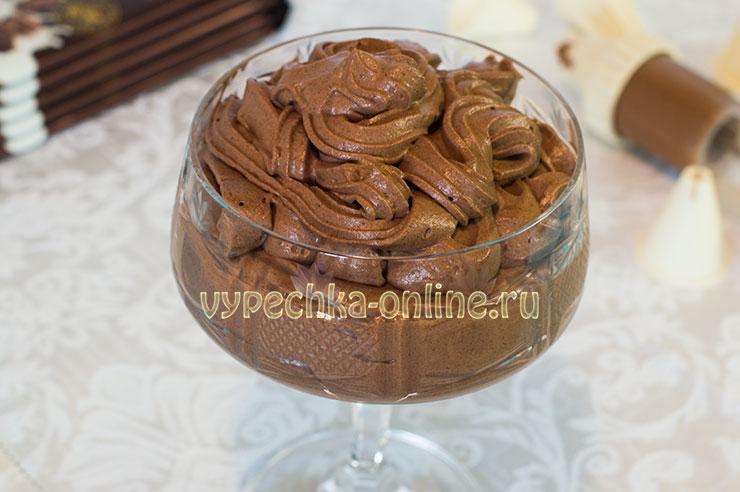 Крем для торта из сливок, сахарной пудры, какао