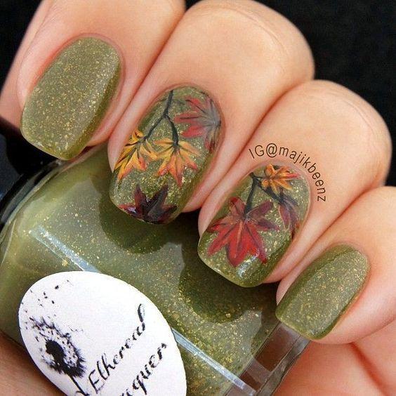 зеленый маникюр с листьями