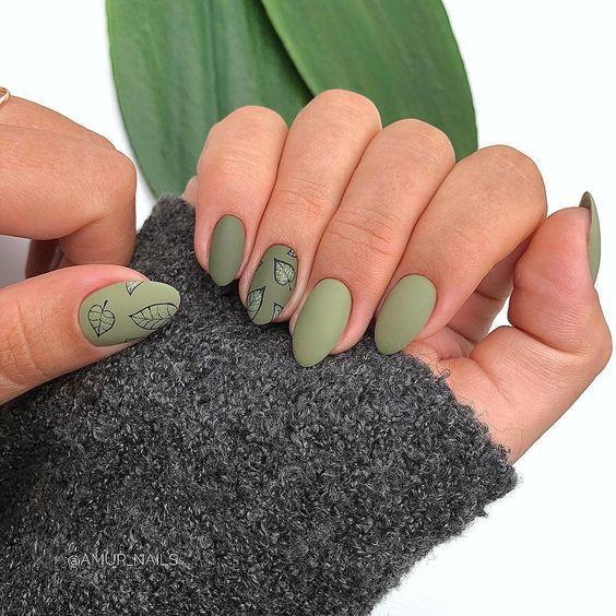дизайн ногтей с листьями зелеными