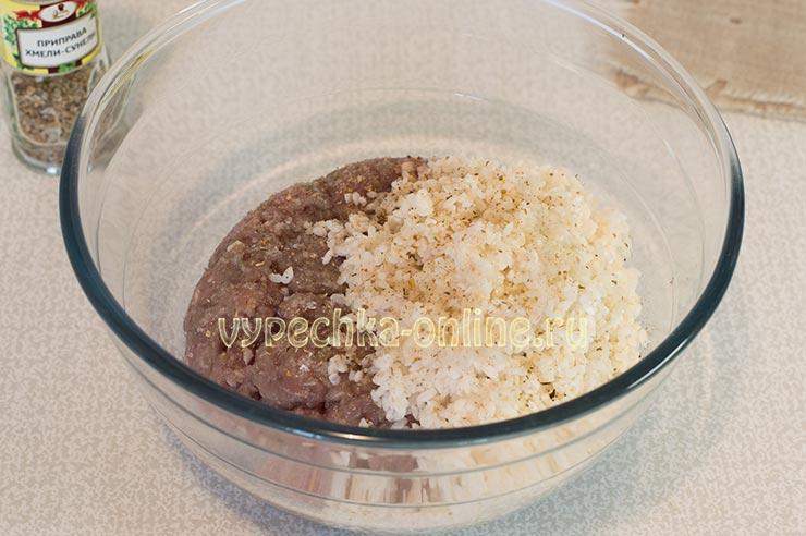 Фарш, рис, специи