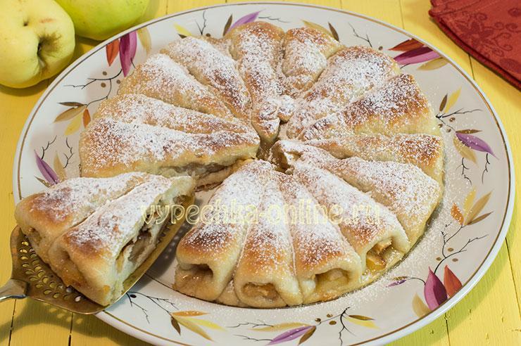Постный пирог с яблоками отрывной на дрожжевом тесте в духовке – как испечь, рецепт с фото