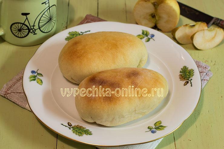 Рецепт пирожков с яблоками в духовке из дрожжевого теста с фото