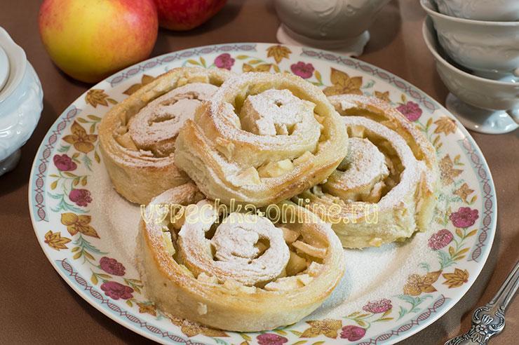 Булочки с яблоками из дрожжевого теста на кефире
