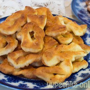Хворост из творога, рецепт со сметаной на сковороде – пошагово с фото