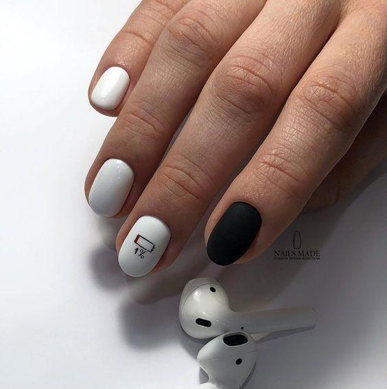 чёрно-белый маникюр фото