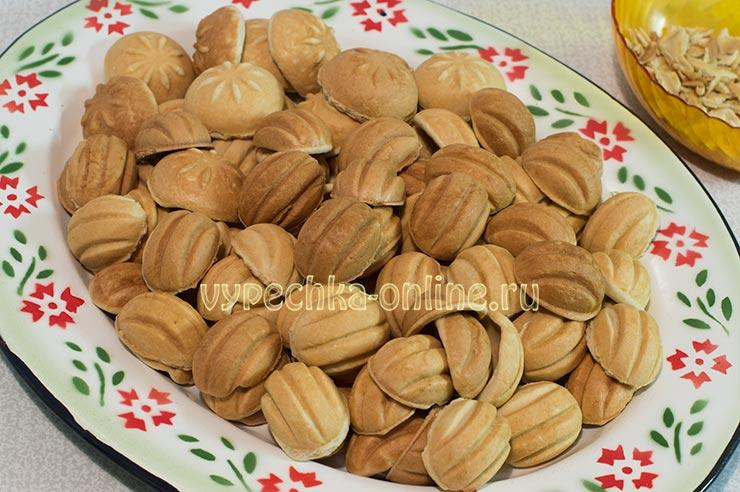Как делать орешки со сгущенкой в орешнице