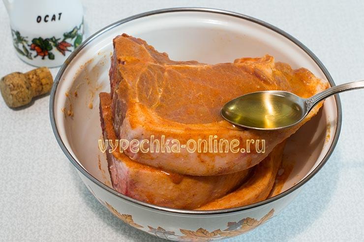 Рецепт свиной корейки на кости в духовке