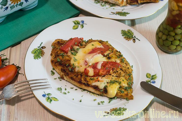 Куриная грудка с помидорами и сыром в духовке рецепт с фото с листами для жарки Магги (запечённое филе)