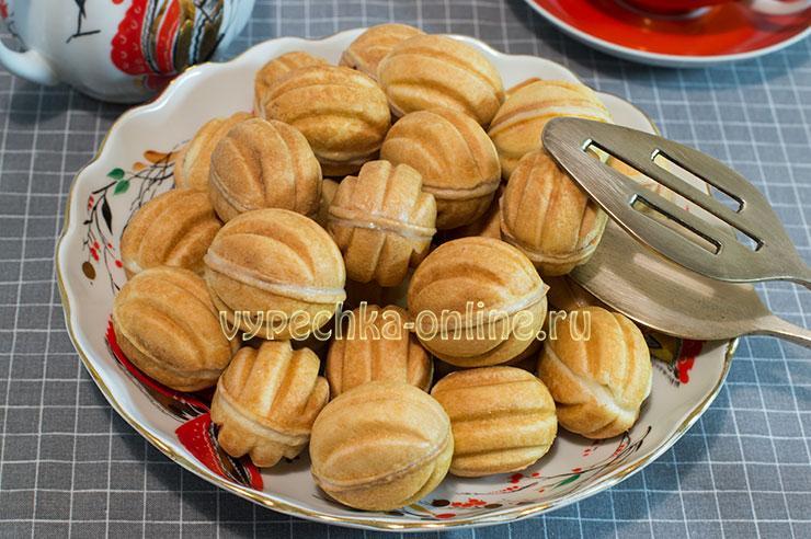 Как делать орешки со сгущенкой в орешнице пошаговый рецепт с фото