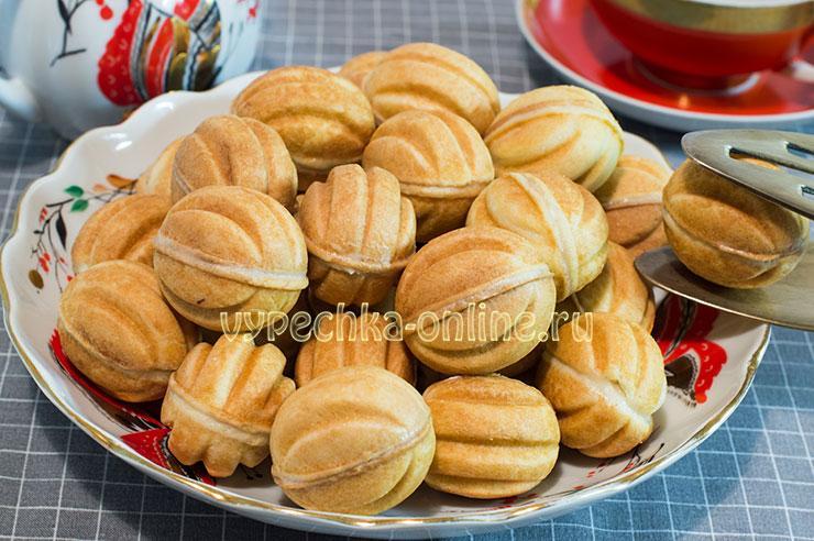 Рецепт печенья орешки со сгущёнкой в орешнице – как сделать пошагово с фото