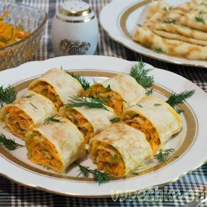 Блинчики с корейской морковкой (рулетики из блинов с начинкой) – рецепт с фото