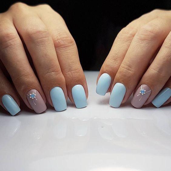 Голубые ногти дизайн
