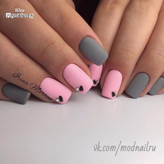 Весенний маникюр розовый