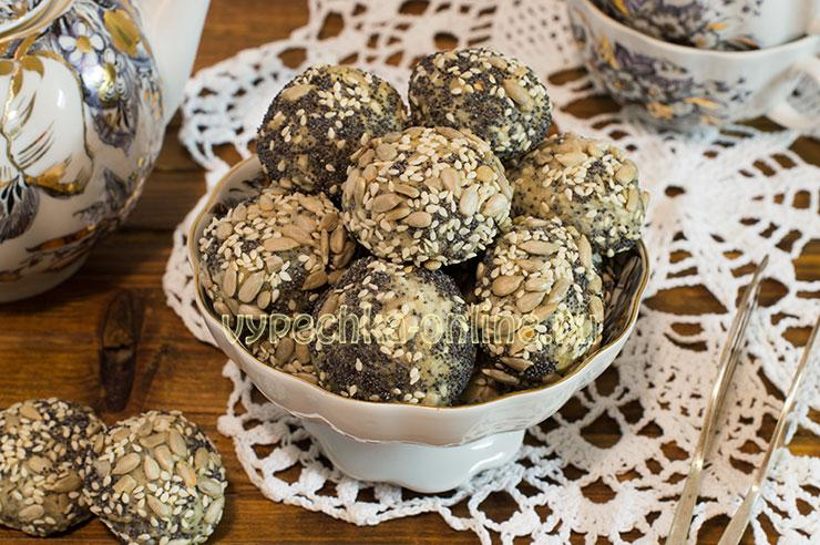 Печенье с семечками и кунжутом