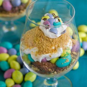 Десерт в стакане слоями на Пасху – пасхальный рецепт с фото