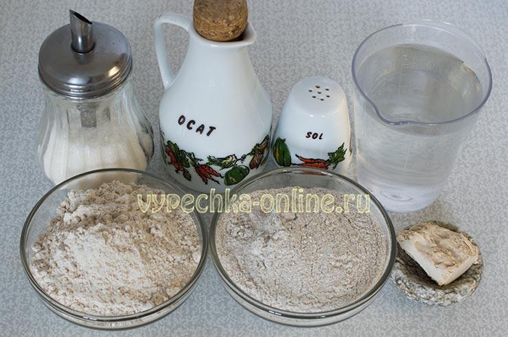 Хлеб из пшеничной цельнозерновой и ржаной муки в хлебопечке