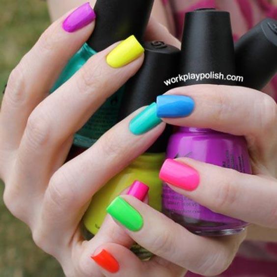 Дизайн ногтей разного цвета без рисунка