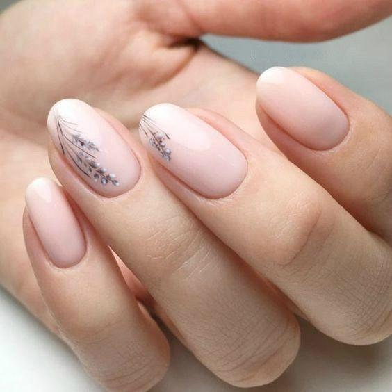 Дизайн ногтей нюдовых оттенков - маникюр весна 2020 модные тенденции, фото