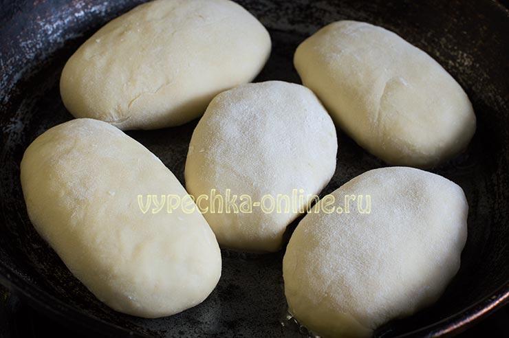 Пирожки на бездрожжевом тесте на сметане жареные на сковороде