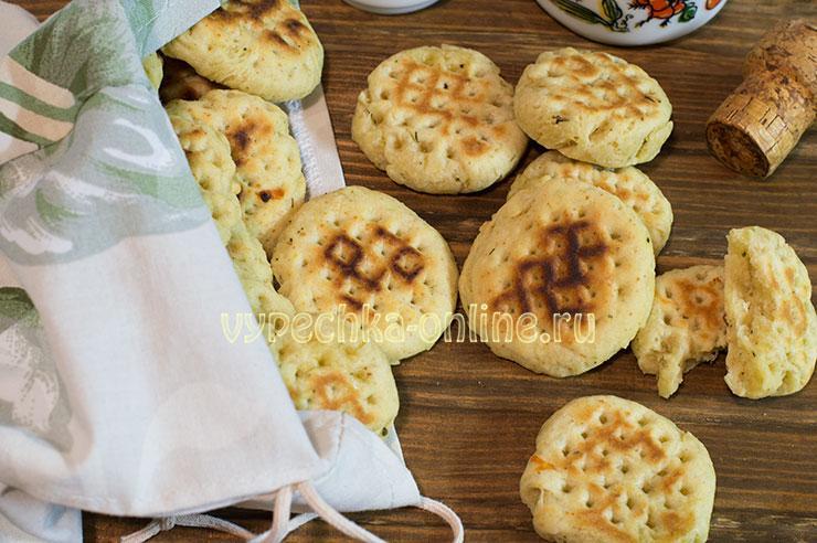Печенье на сковороде на скорую руку – простой рецепт на сметане