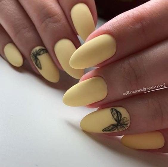 Маникюр жёлтый с серым лаком 2020: дизайн ногтей, идеи с фото