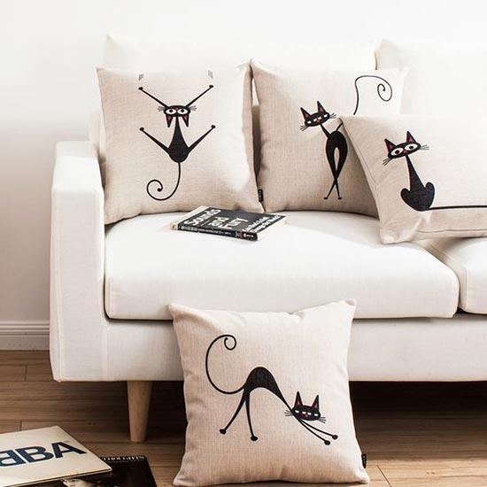 Подушки с кошками