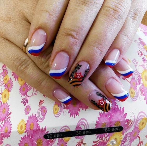 Маникюр с флагом России (дизайн ногтей с российским триколором)