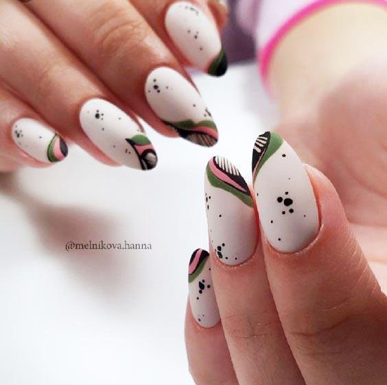 Зелёно-белый маникюр фото