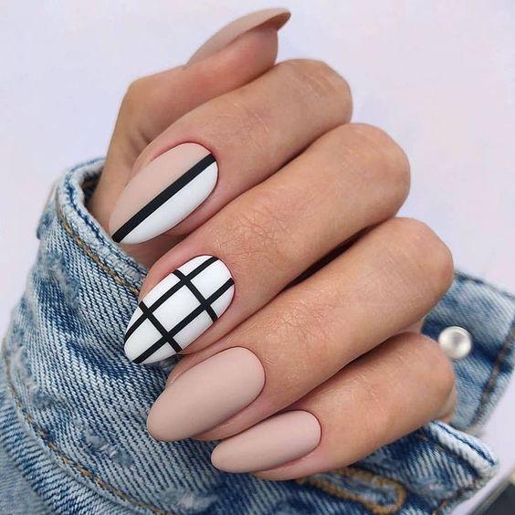 Маникюр в клеточку (клетчатый) – дизайн ногтей, идеи с фото