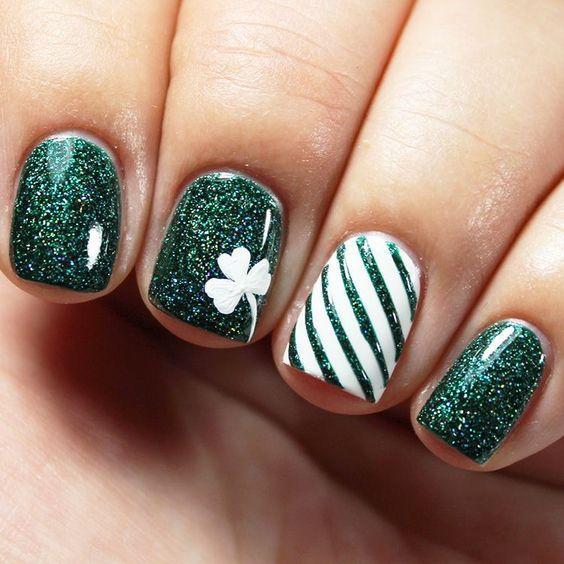 Зелёно-белый маникюр дизайн ногтей