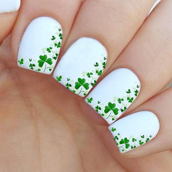 Зелёно-белый маникюр